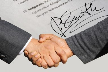 handshake-shaking-hands-signature-contract